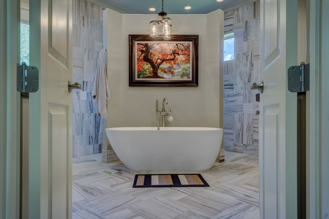 bathroom-1597027_1280